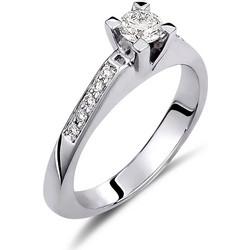 Μονόπετρο δαχτυλίδι από λευκό χρυσό 18 καρατίων με ένα κεντρικό διαμάντι  0.30ct πιστοποιημένο από το 24a766f855a