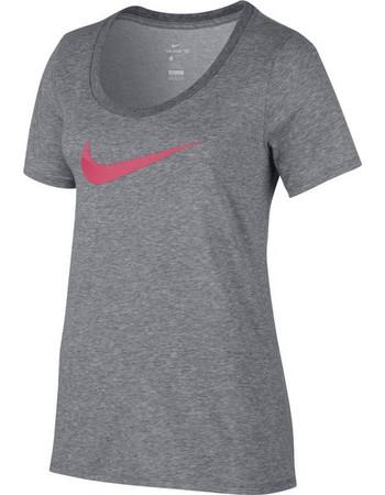 50d1249bbd7b pink woman αθλητικες μπλουζες - Γυναικείες Αθλητικές Μπλούζες Nike ...
