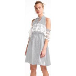 Φόρεμα ριγέ με ανοίγματα στοθς ώμους - Μαύρο e37baa76133
