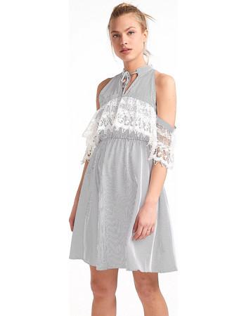 ef938994e3d7 Φόρεμα ριγέ με ανοίγματα στους ώμους - Μαύρο